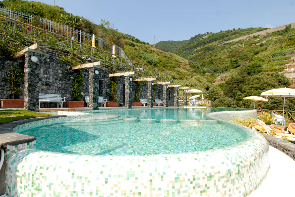 hotel porto roca italy vacations. Black Bedroom Furniture Sets. Home Design Ideas